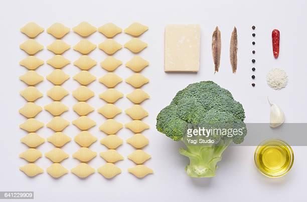 Broccoli and anchovy pasta knolling style