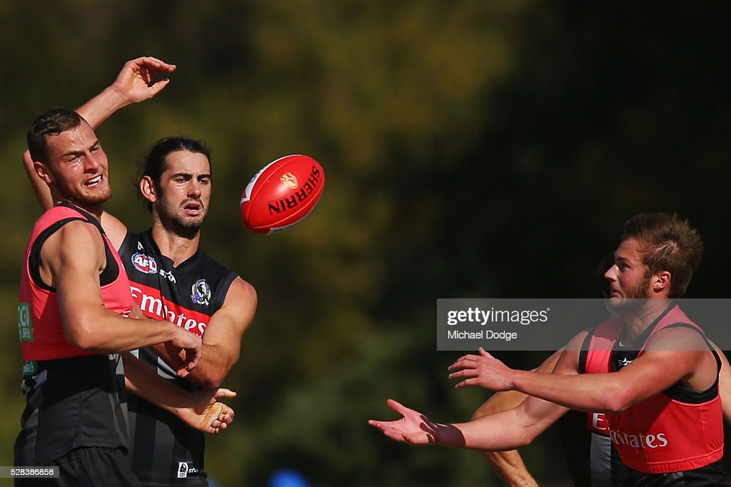 Brodie Grundy of the Magpies (R) is beaten in the ruck by Jarrod Witts of the Magpies marks the ball during a Collingwood Magpies AFL training session on May 5, 2016 in Melbourne, Australia.