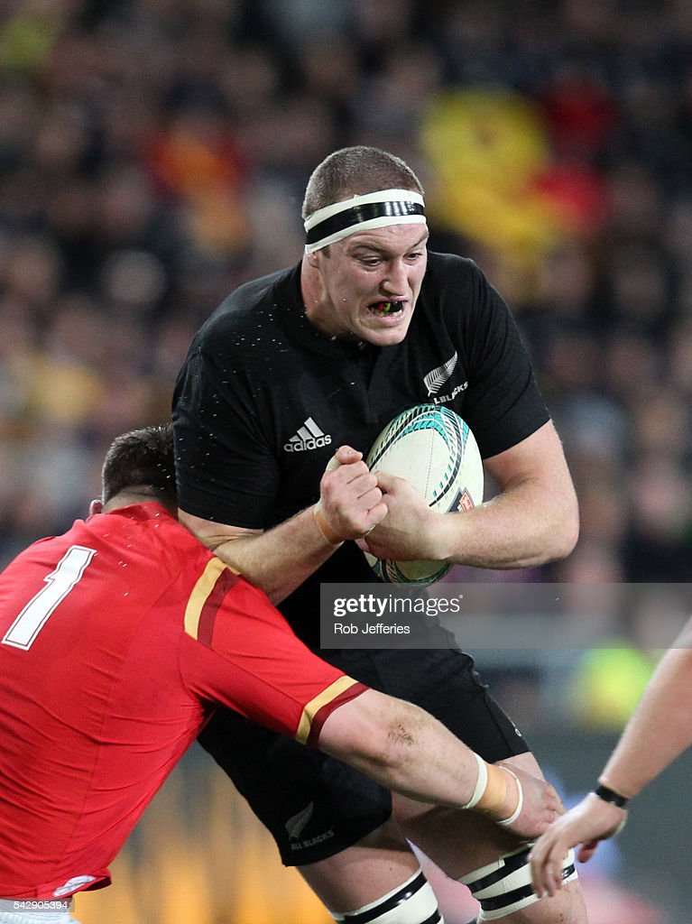 <a gi-track='captionPersonalityLinkClicked' href=/galleries/search?phrase=Brodie+Retallick&family=editorial&specificpeople=7864021 ng-click='$event.stopPropagation()'>Brodie Retallick</a> of New Zealand looks to bust the Wales defence during the International Test match between the New Zealand All Blacks and Wales at Forsyth Barr Stadium on June 25, 2016 in Dunedin, New Zealand.