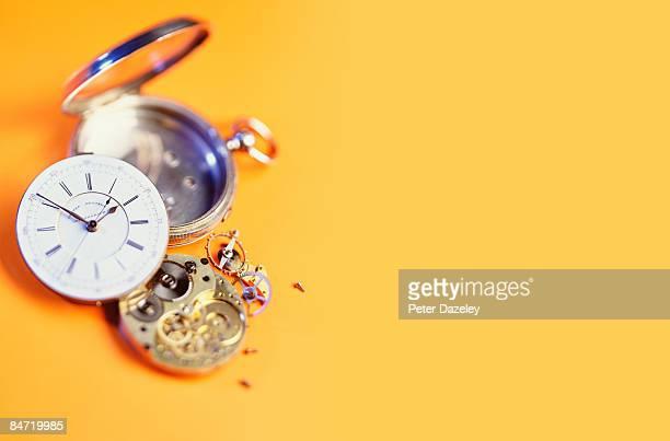 Broken Edwardian pocket watch.