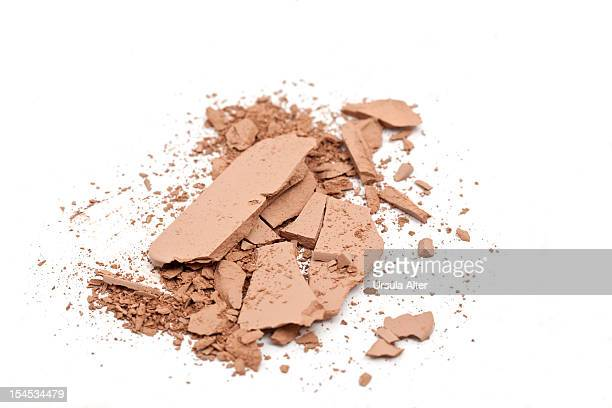 broken face powder foundation