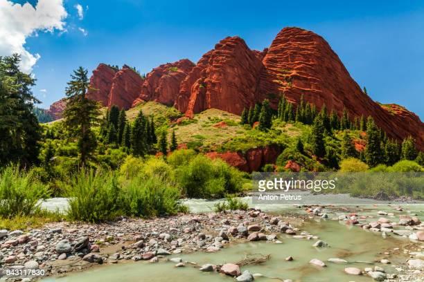 Broken heart. Rock in Jeti-Oghuz (Seven Bulls) in Krygyzstan