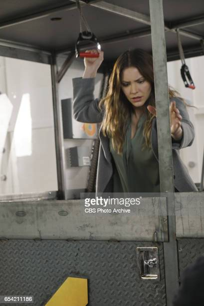 'Broken Wind' While on a mission to repair a turbine at a wind farm Team Scorpion must race to save Paige and Happy before the cable holding the...