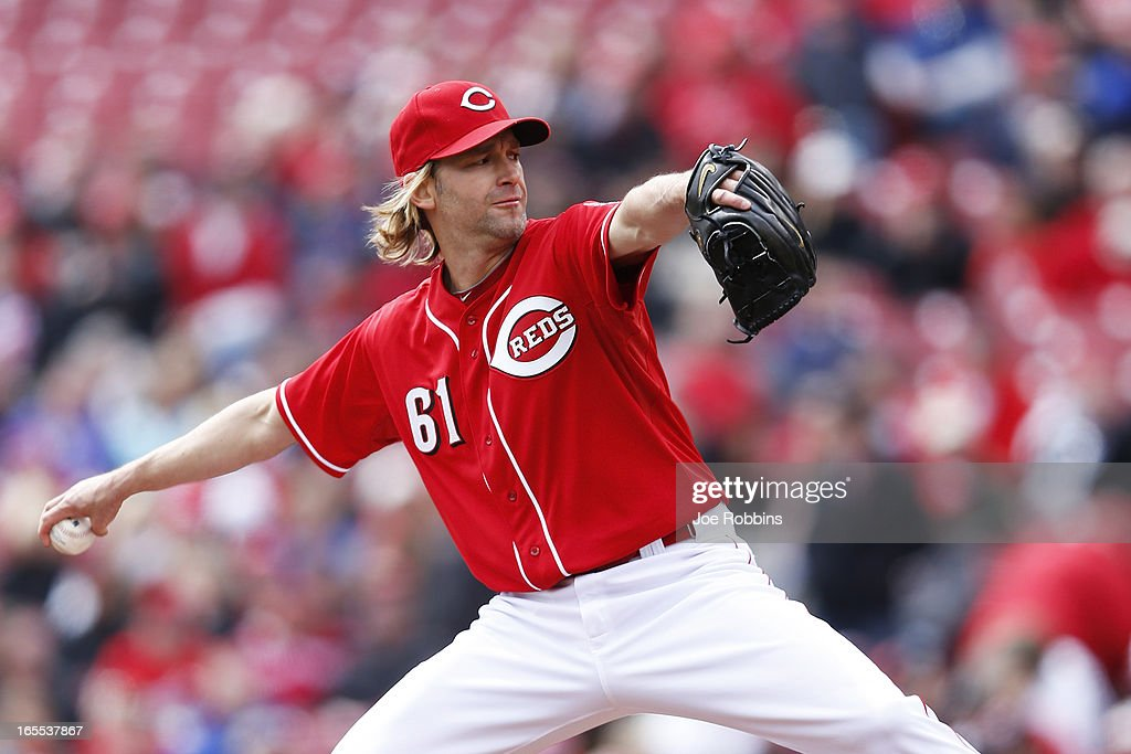Bronson Arroyo #61 of the Cincinnati Reds pitches against the Los Angeles Angels of Anaheim during the game at Great American Ball Park on April 4, 2013 in Cincinnati, Ohio.