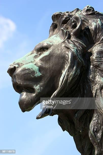 Tête de lion de Bronze en dehors du palais de Buckingham