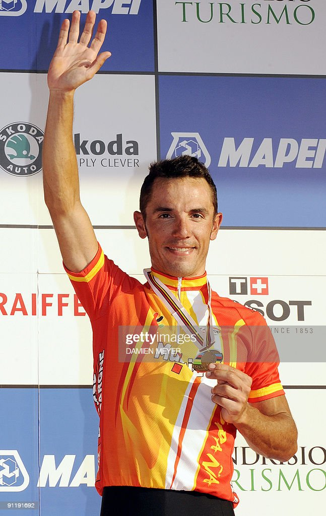 Bronze medalist Spain's Joaquin Rodriguez celebrates on the podium of the Elite men's world road race championships at Mendrisio on September 27, 2009. Austrlia's Cadel Evans won ahead of Russia's Alexandr Kolobnev and Spain's Joaquin Rodriguez .