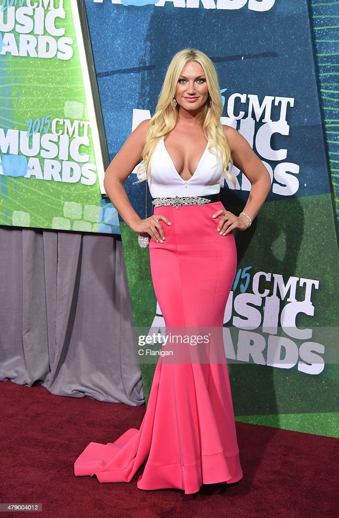 <a gi-track='captionPersonalityLinkClicked' href=/galleries/search?phrase=Brooke+Hogan&family=editorial&specificpeople=206443 ng-click='$event.stopPropagation()'>Brooke Hogan</a> attends the 2015 CMT Music awards at the Bridgestone Arena on June 10, 2015 in Nashville, Tennessee.