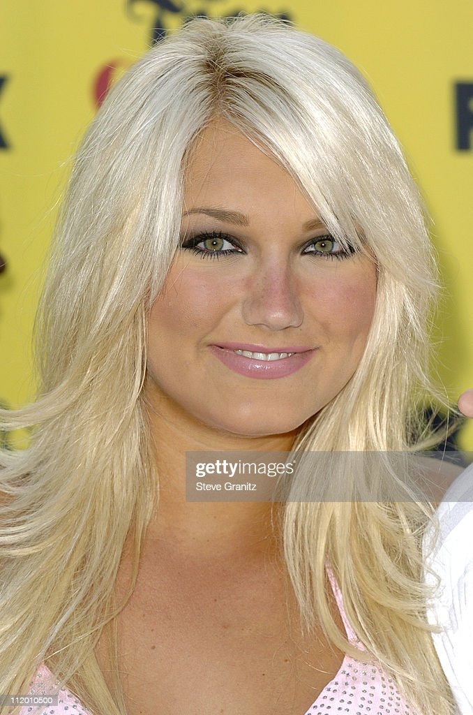<a gi-track='captionPersonalityLinkClicked' href=/galleries/search?phrase=Brooke+Hogan&family=editorial&specificpeople=206443 ng-click='$event.stopPropagation()'>Brooke Hogan</a> during 2005 Teen Choice Awards - Arrivals at Gibson Amphitheatre in Universal City, California, United States.