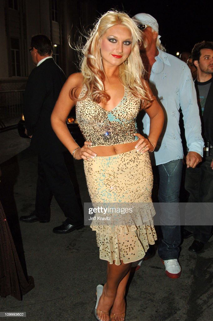 <a gi-track='captionPersonalityLinkClicked' href=/galleries/search?phrase=Brooke+Hogan&family=editorial&specificpeople=206443 ng-click='$event.stopPropagation()'>Brooke Hogan</a> during VH1 Big in '05 - Red Carpet at Sony Studios in Los Angeles, California, United States.
