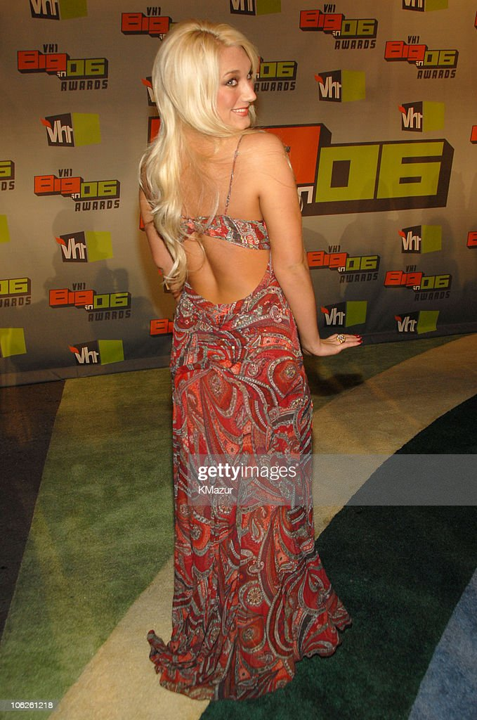 <a gi-track='captionPersonalityLinkClicked' href=/galleries/search?phrase=Brooke+Hogan&family=editorial&specificpeople=206443 ng-click='$event.stopPropagation()'>Brooke Hogan</a> during VH1 Big in '06 - Red Carpet at Sony Studios in Culver City, California, United States.