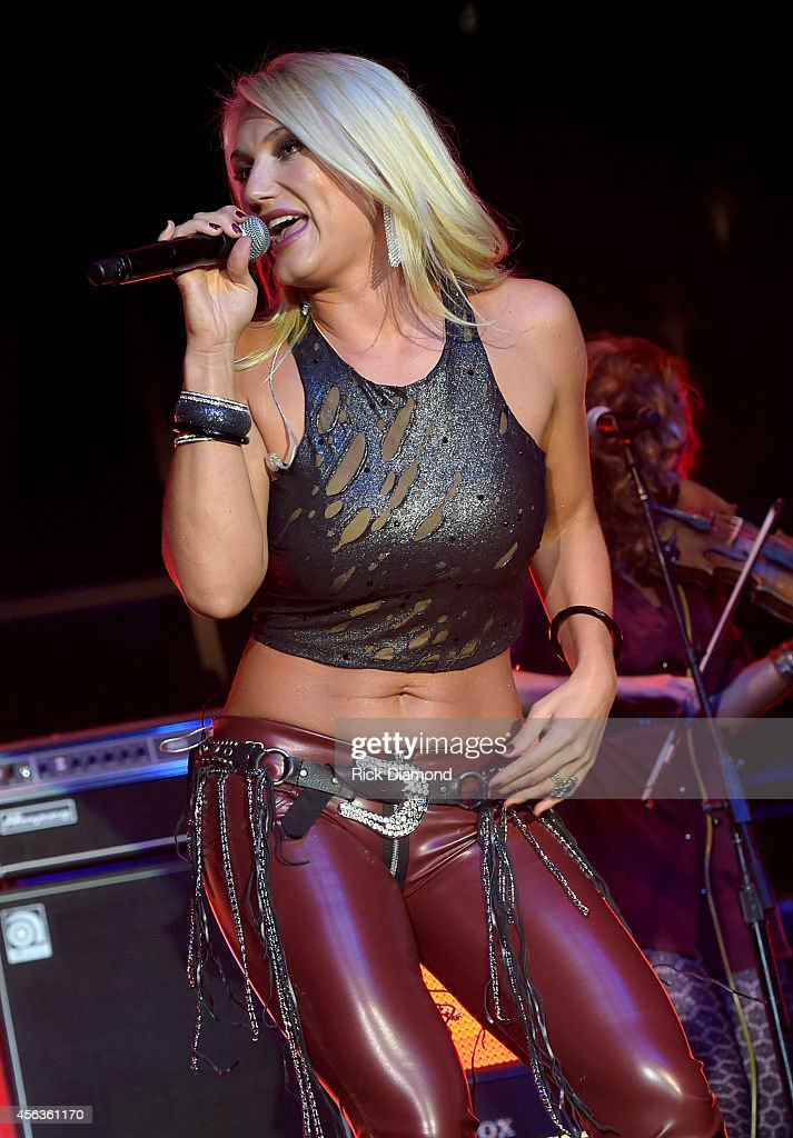<a gi-track='captionPersonalityLinkClicked' href=/galleries/search?phrase=Brooke+Hogan&family=editorial&specificpeople=206443 ng-click='$event.stopPropagation()'>Brooke Hogan</a> performs onstage at the Buddy Lee Attractions Party during Day 3 of the IEBA 2014 Conference on September 29, 2014 in Nashville, Tennessee.