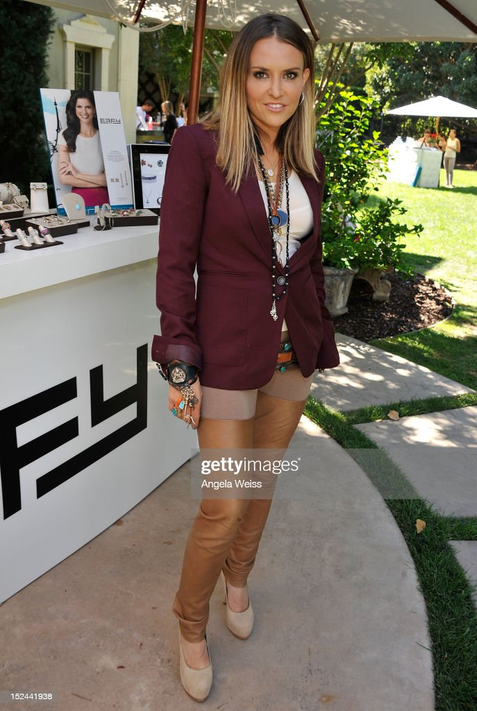 Brooke Mueller attends the Softcup Beauty Retreat with ZING Vodka Cocktails at a private residency on September 20, 2012 in Beverly Hills, California.