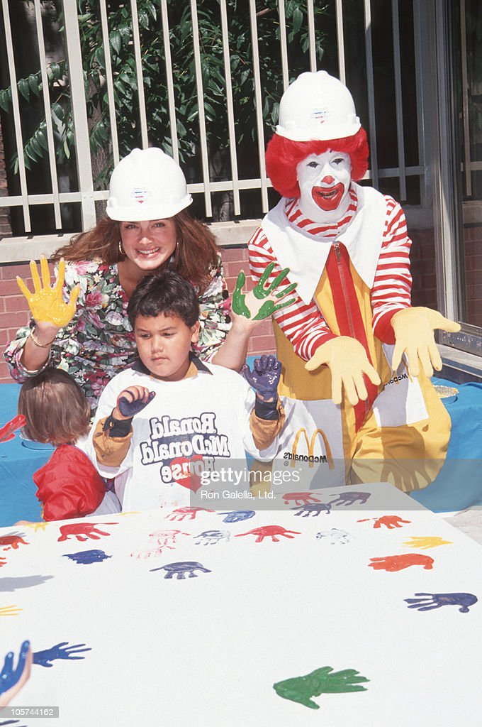 <a gi-track='captionPersonalityLinkClicked' href=/galleries/search?phrase=Brooke+Shields&family=editorial&specificpeople=202197 ng-click='$event.stopPropagation()'>Brooke Shields</a> and Ronald McDonald during Helping Hands Event at Ronald McDonald House - July 22, 1992 at Ronald McDonald House in New York City, New York, United States.