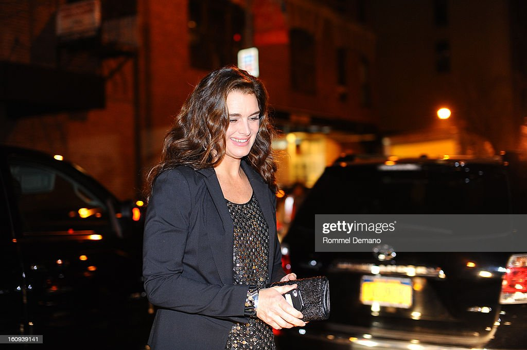 <a gi-track='captionPersonalityLinkClicked' href=/galleries/search?phrase=Brooke+Shields&family=editorial&specificpeople=202197 ng-click='$event.stopPropagation()'>Brooke Shields</a> arrives at the kenneth Cole show on February 7, 2013 in New York City.