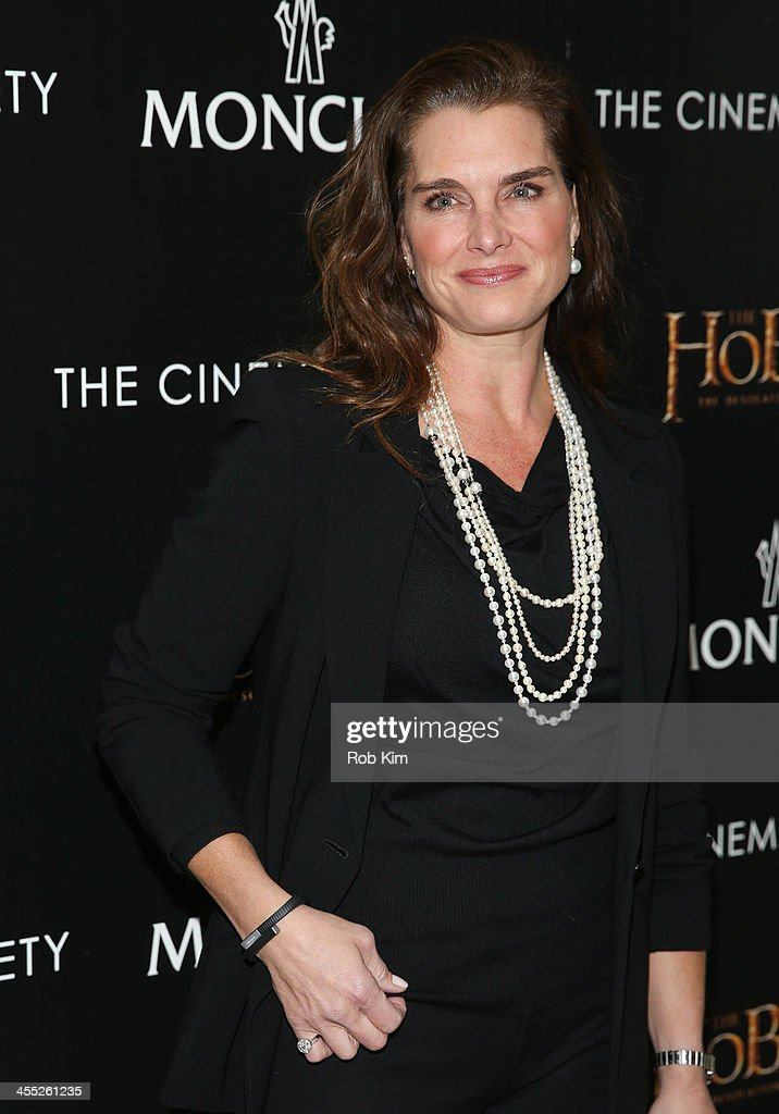<a gi-track='captionPersonalityLinkClicked' href=/galleries/search?phrase=Brooke+Shields&family=editorial&specificpeople=202197 ng-click='$event.stopPropagation()'>Brooke Shields</a> attends New Line Cinema and MGM Pictures screening of 'The Hobbit: The Desolation Of Smaug' hosted by the Cinema Society and Moncler on December 11, 2013 in New York City.