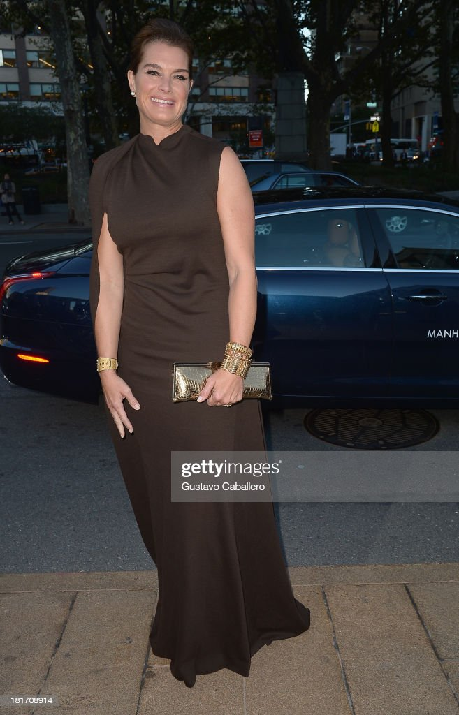 <a gi-track='captionPersonalityLinkClicked' href=/galleries/search?phrase=Brooke+Shields&family=editorial&specificpeople=202197 ng-click='$event.stopPropagation()'>Brooke Shields</a> is seen New York on September 23, 2013 in New York City.