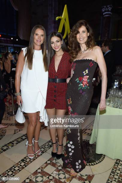 Brooke Shields Victoria Justice and Carol Alt attend the Accessories Council's 21st Annual celebration of the ACE awards at Cipriani 42nd Street on...