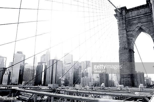Puente de Brooklyn en blanco y negro