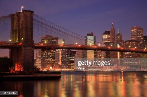 Au coucher du soleil pont de brooklyn new york tatsunis - Coucher du soleil new york ...