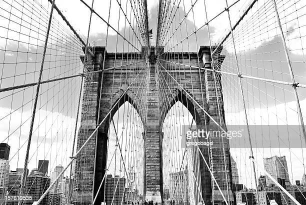 Puente de Brooklyn en negro & blanco