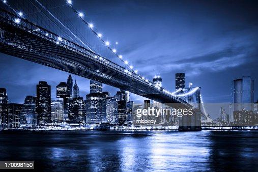 Brooklyn bridge with Downtown Manhattan, New York City