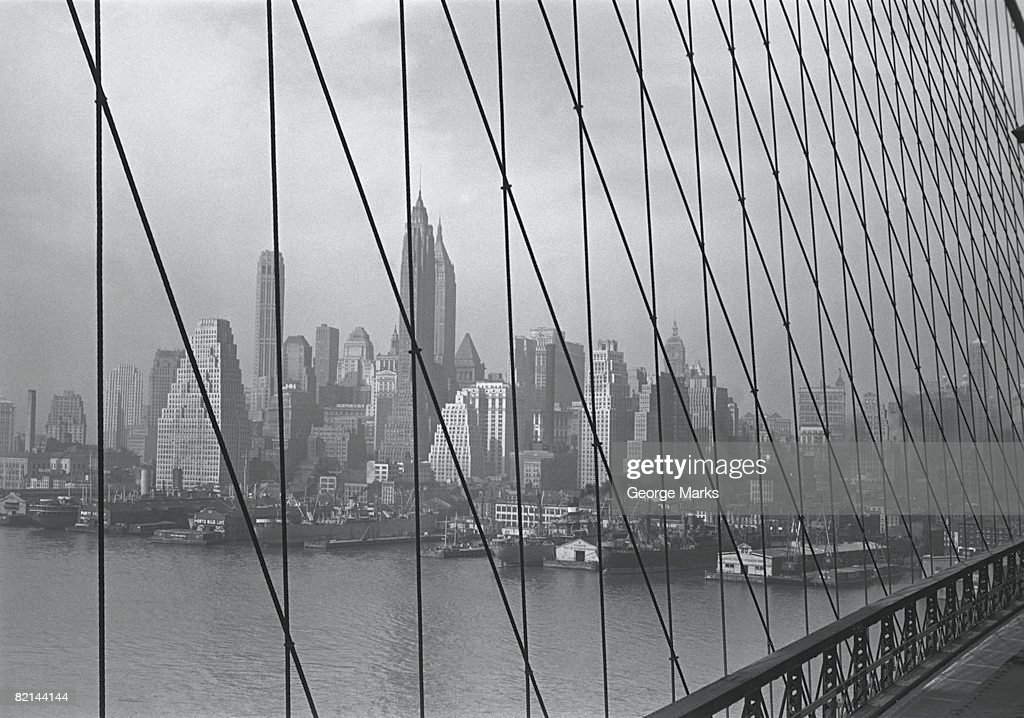 Brooklyn bridge with New York City in background, (B&W) : Stock Photo