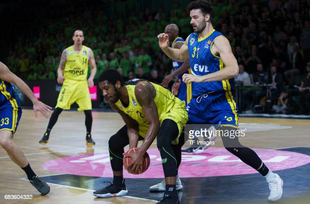 Brooks De´Mon of medi bayreuth and Freese jannik of Oldenburg battle for the ball during the easyCredit BBL match between medi bayreuth and EWE...