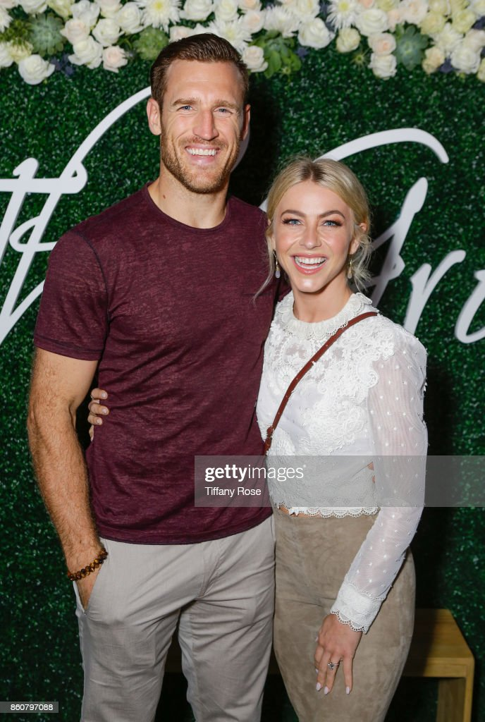 Brooks Laich and Julianne Hough attend the Paint & Sip & Help event to Benefit Children's Hospital Los Angeles hosted by The Grove on October 12, 2017 in Los Angeles, California.