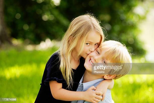 Hermano y hermana III