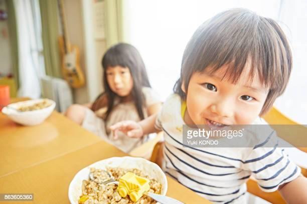 食事の兄弟