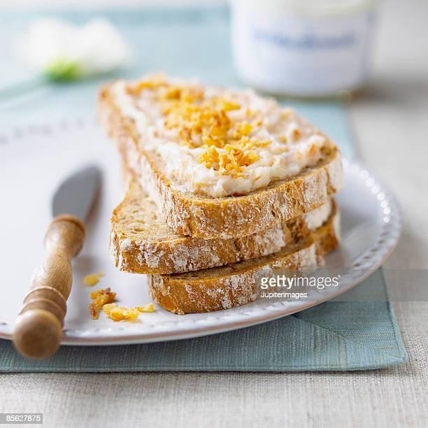 Brown bread with pork fat spread