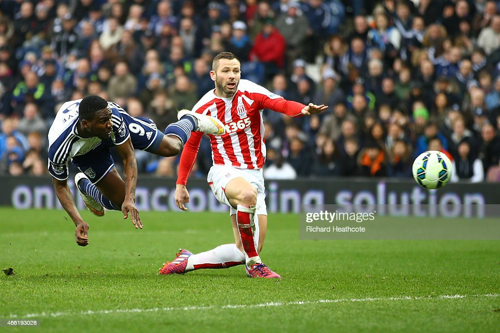 Brown Ideye of West Brom scores the opening goal during the Barclays Premier League match between West Bromwich Albion and Stoke City at The...