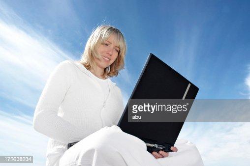 Surfen auf laptop