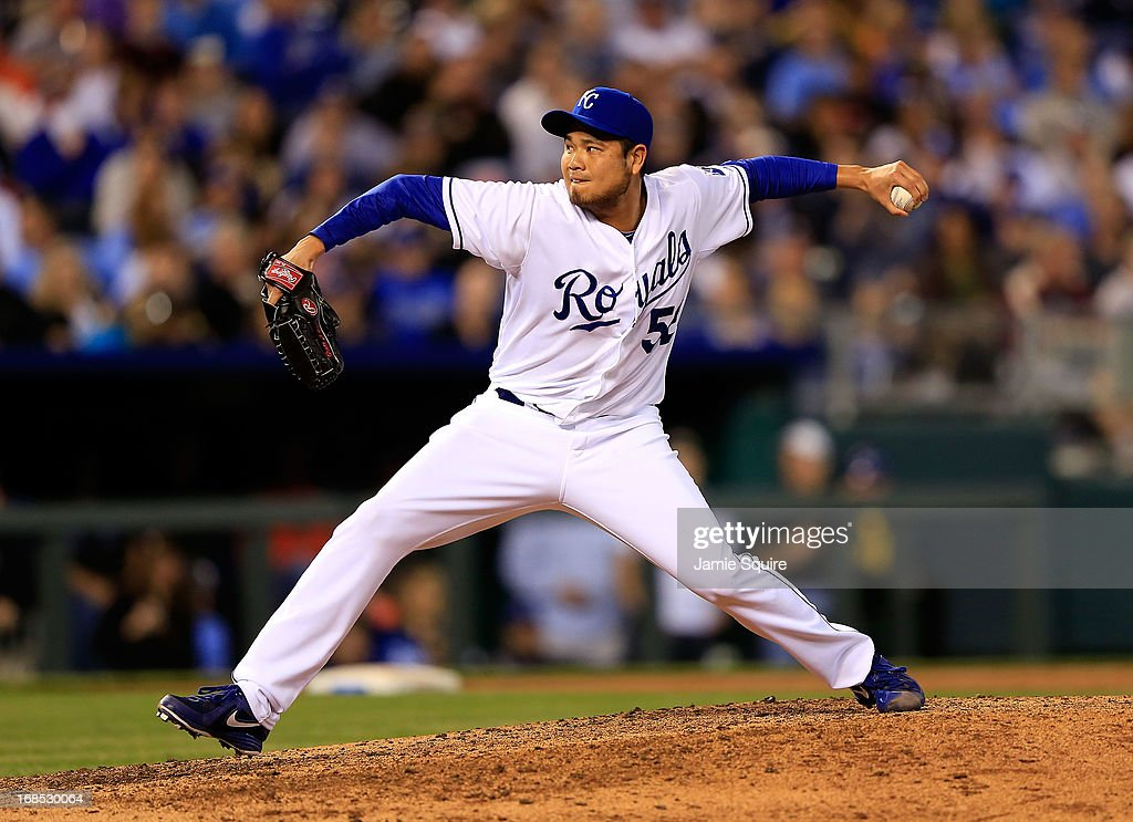 <a gi-track='captionPersonalityLinkClicked' href=/galleries/search?phrase=Bruce+Chen&family=editorial&specificpeople=213886 ng-click='$event.stopPropagation()'>Bruce Chen</a> #52 of the Kansas City Royals pitches during the game against the New York Yankees at Kauffman Stadium on May 10, 2013 in Kansas City, Missouri.