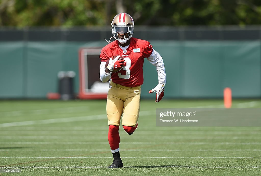 <a gi-track='captionPersonalityLinkClicked' href=/galleries/search?phrase=Bruce+Ellington&family=editorial&specificpeople=7405384 ng-click='$event.stopPropagation()'>Bruce Ellington</a> #3 of the San Francisco 49ers participates in drills during 49ers Rookie Minicamp on May 23, 2014 in Santa Clara, California.