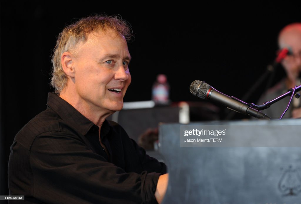 Bonnaroo 2011 - Day 4 - Bruce Hornsby & The The Noisemakers