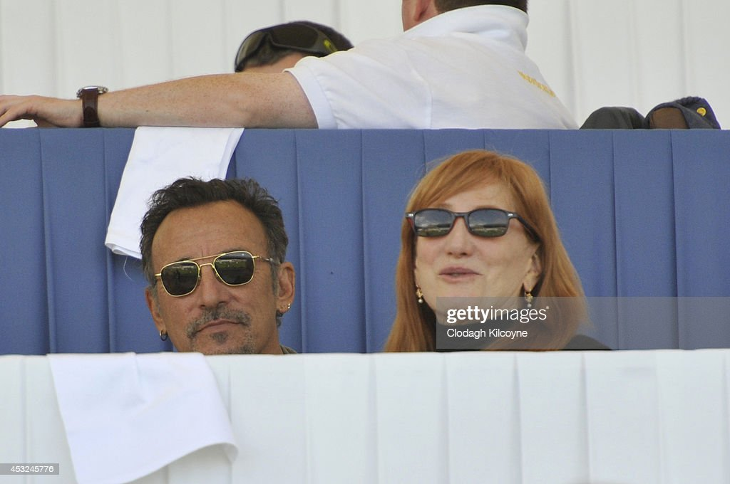 <a gi-track='captionPersonalityLinkClicked' href=/galleries/search?phrase=Bruce+Springsteen&family=editorial&specificpeople=123832 ng-click='$event.stopPropagation()'>Bruce Springsteen</a> and <a gi-track='captionPersonalityLinkClicked' href=/galleries/search?phrase=Patti+Scialfa&family=editorial&specificpeople=228282 ng-click='$event.stopPropagation()'>Patti Scialfa</a> watch their daughter, Jessica Springsteen compete during the Speed Stakes International Competition 1 at the Dublin Horse Show 2014 on August 6, 2014 in Dublin, Ireland.