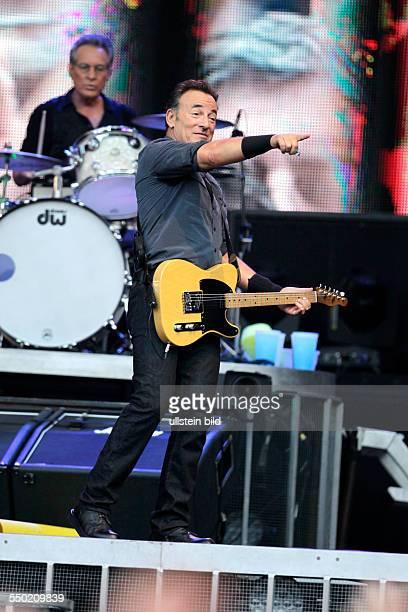 Bruce Springsteen and The EStreetBand 'Wrecking Ball'Tour Bruce Frederick Joseph Springsteen USA Amerikanischer Rockmusiker The EStreetBand besteht...