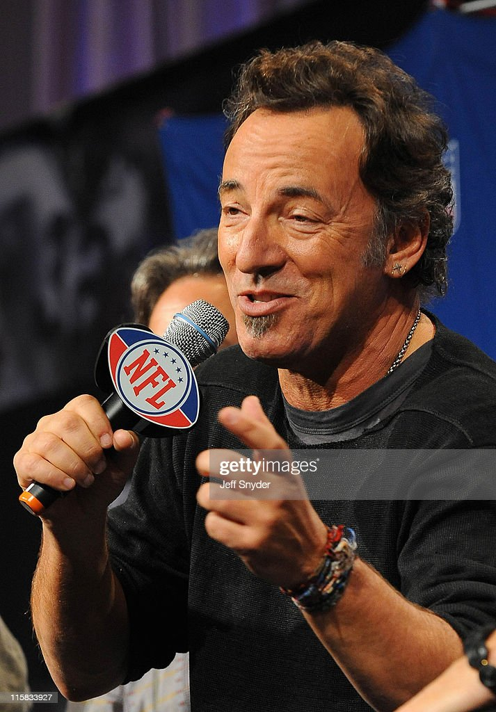 Bruce Springsteen of the E Street Band speaks at the Bridgestone Super Bowl XVLII Half Time Show Press Conference held at the Tampa Convention Center on January 29, 2009 in Tampa, Florida.