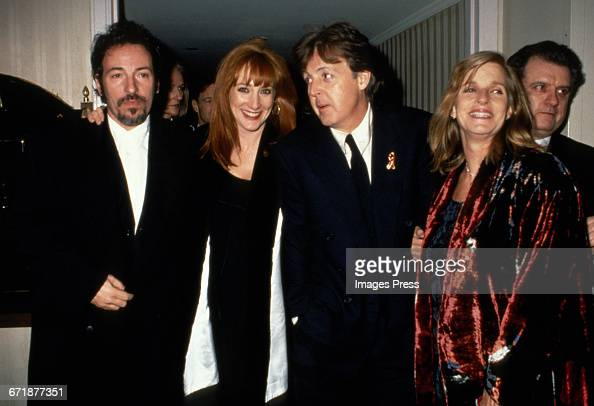 1994 rock and roll hall of fame induction ceremony pictures getty images. Black Bedroom Furniture Sets. Home Design Ideas