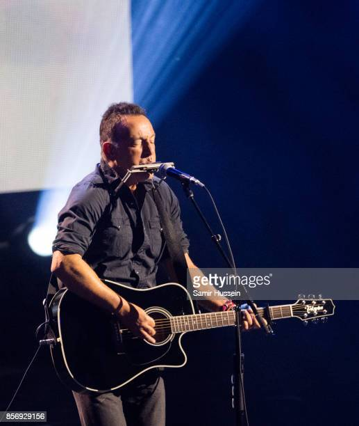 Bruce Springsteen performs at the Closing Ceremony on day 8 of the Invictus Games Toronto 2017 on September 30 2017 in Toronto Canada The Games use...