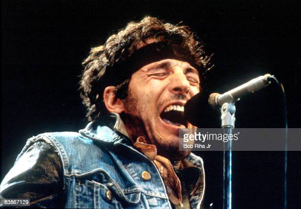 Bruce Springsteen 1985 file photo