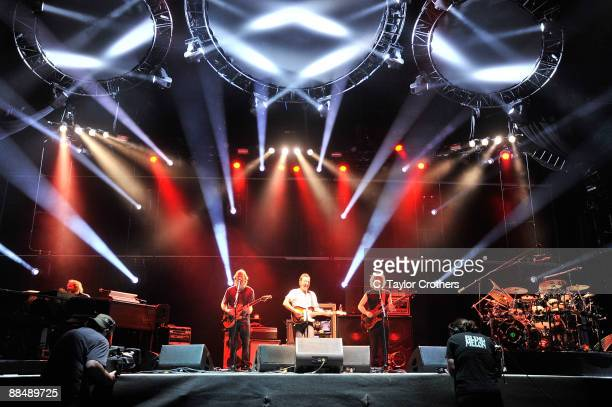 Bruce Springsteen performs with Phish on stage during Bonnaroo 2009 on June 14 2009 in Manchester Tennessee