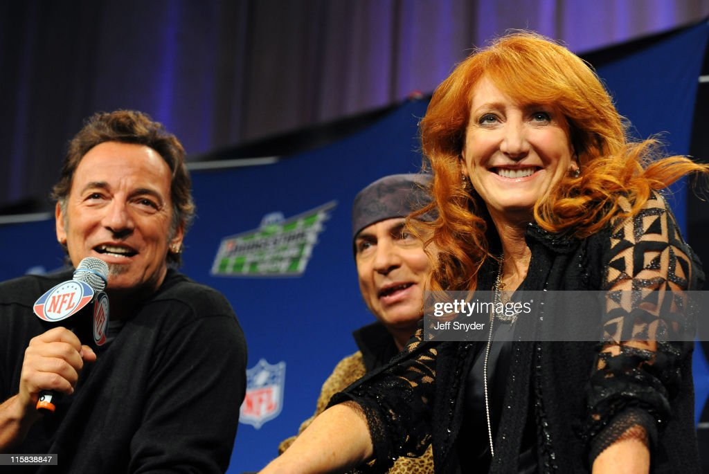 Bruce Springsteen, Steve Van Zandt and Patti Scialfa of the E Street Band speaks at the Bridgestone Super Bowl XVLII Half Time Show Press Conference held at the Tampa Convention Center on January 29, 2009 in Tampa, Florida.