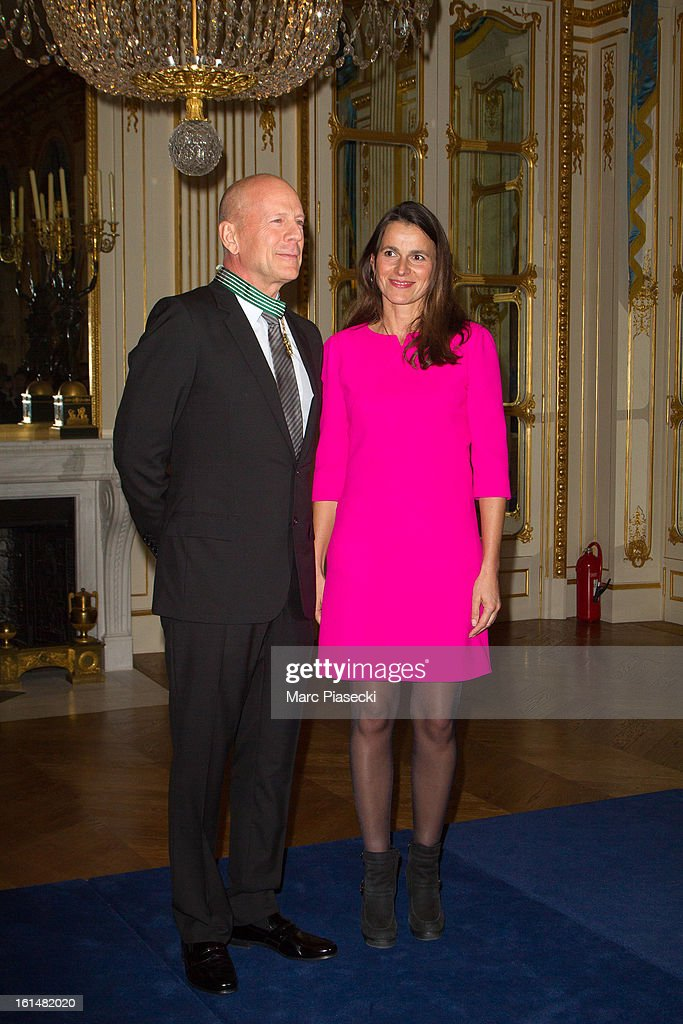 <a gi-track='captionPersonalityLinkClicked' href=/galleries/search?phrase=Bruce+Willis&family=editorial&specificpeople=202185 ng-click='$event.stopPropagation()'>Bruce Willis</a> poses with French minister of Culture Aurelie Filipetti after being awarded 'Commandeur dans l'Ordre des Arts et Lettres' at Ministere de la Culture on February 11, 2013 in Paris, France.