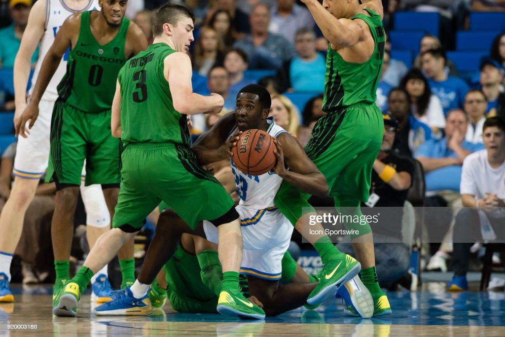 Bruins guard Prince Ali (23) passes the ball after picking up the loose ball during the game between the Oregon Ducks and the UCLA Bruins on February 17, 2018, at Pauley Pavilion in Los Angeles, CA.