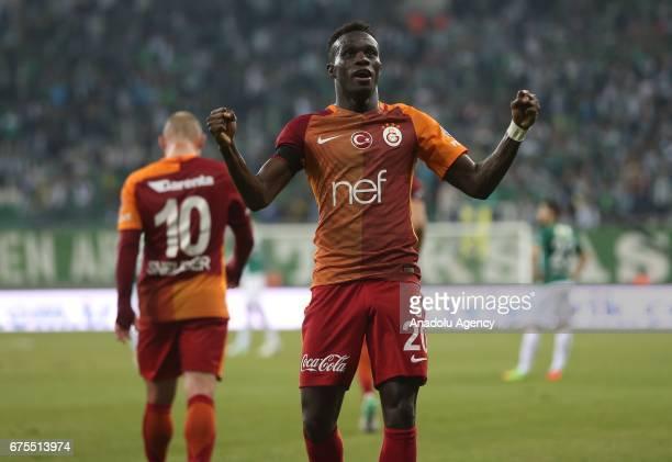 Bruma of Galatasaray celebrates after scoring a goal during the Turkish Spor Toto Super Lig soccer match between Bursaspor and Galatasaray at the...