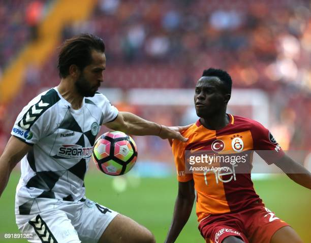 Bruma of Galatasaray in action against Ali Turan during the Turkish Spor Toto Super Lig match between Galatasaray and Atiker Konyaspor at Turk...