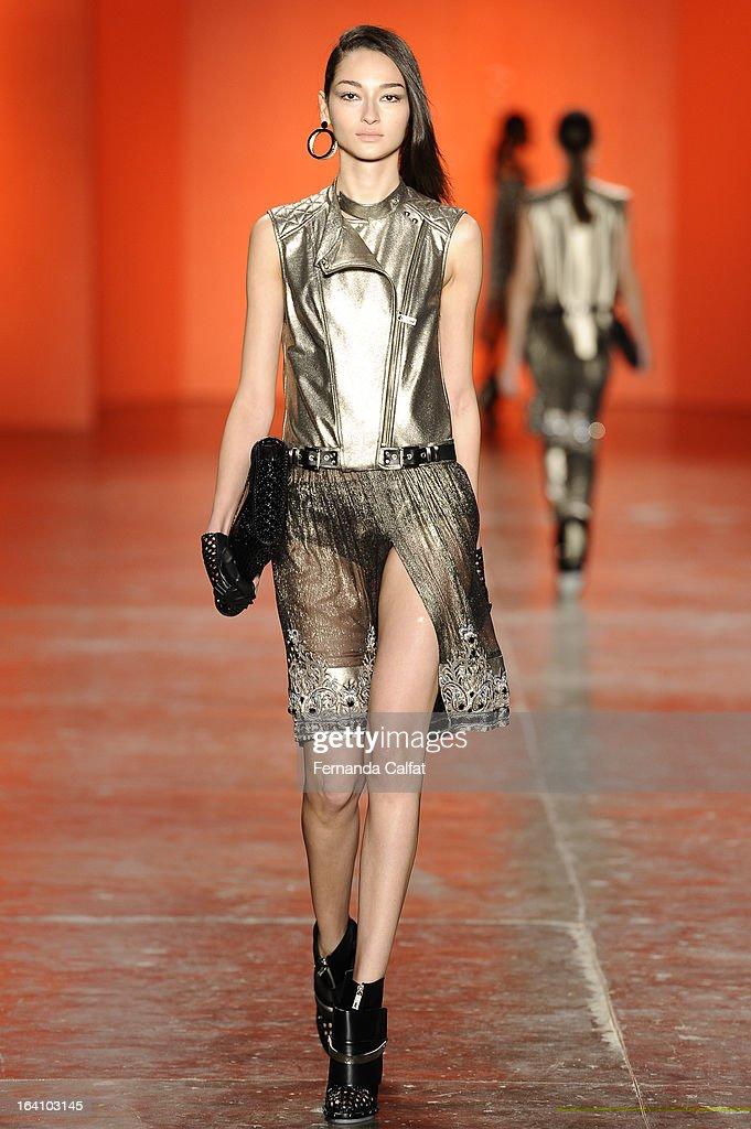 Bruna Tenorio walks the runway during Ellus show during Sao Paulo Fashion Week Summer 2013/2014 on March 19, 2013 in Sao Paulo, Brazil.