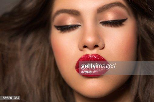 Brunette Women Pics 21